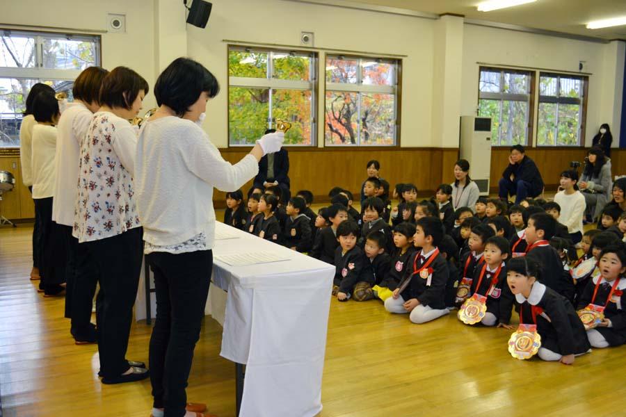 第二幼稚園 10月11月生まれの誕生会を行いました。_d0353789_11215998.jpg