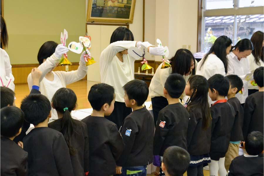 第二幼稚園 10月11月生まれの誕生会を行いました。_d0353789_1122732.jpg
