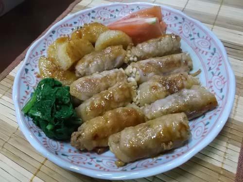 えのきの豚肉巻き&白玉豆腐だんご汁_f0019498_15051507.jpg