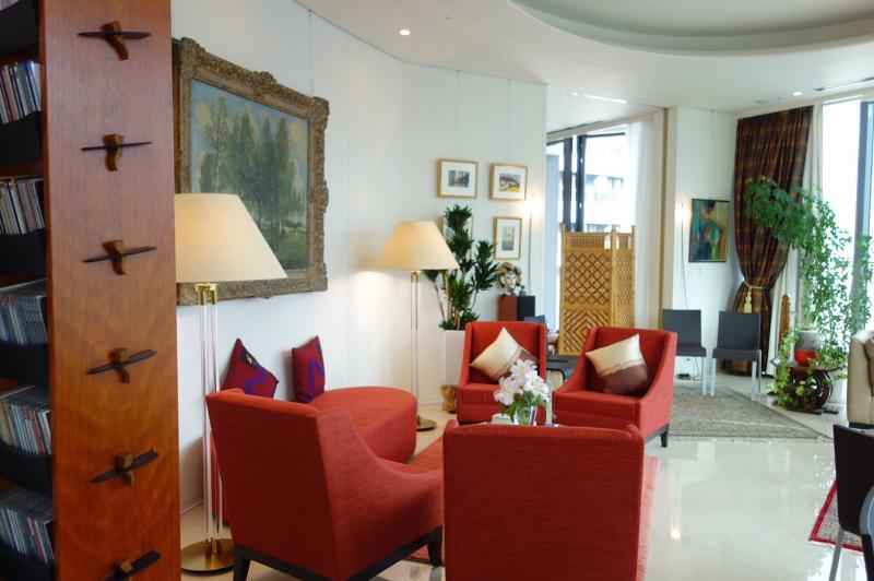 ル プレジール ベルギー大使館公邸でのおもてなし講座_c0195496_13013623.jpg