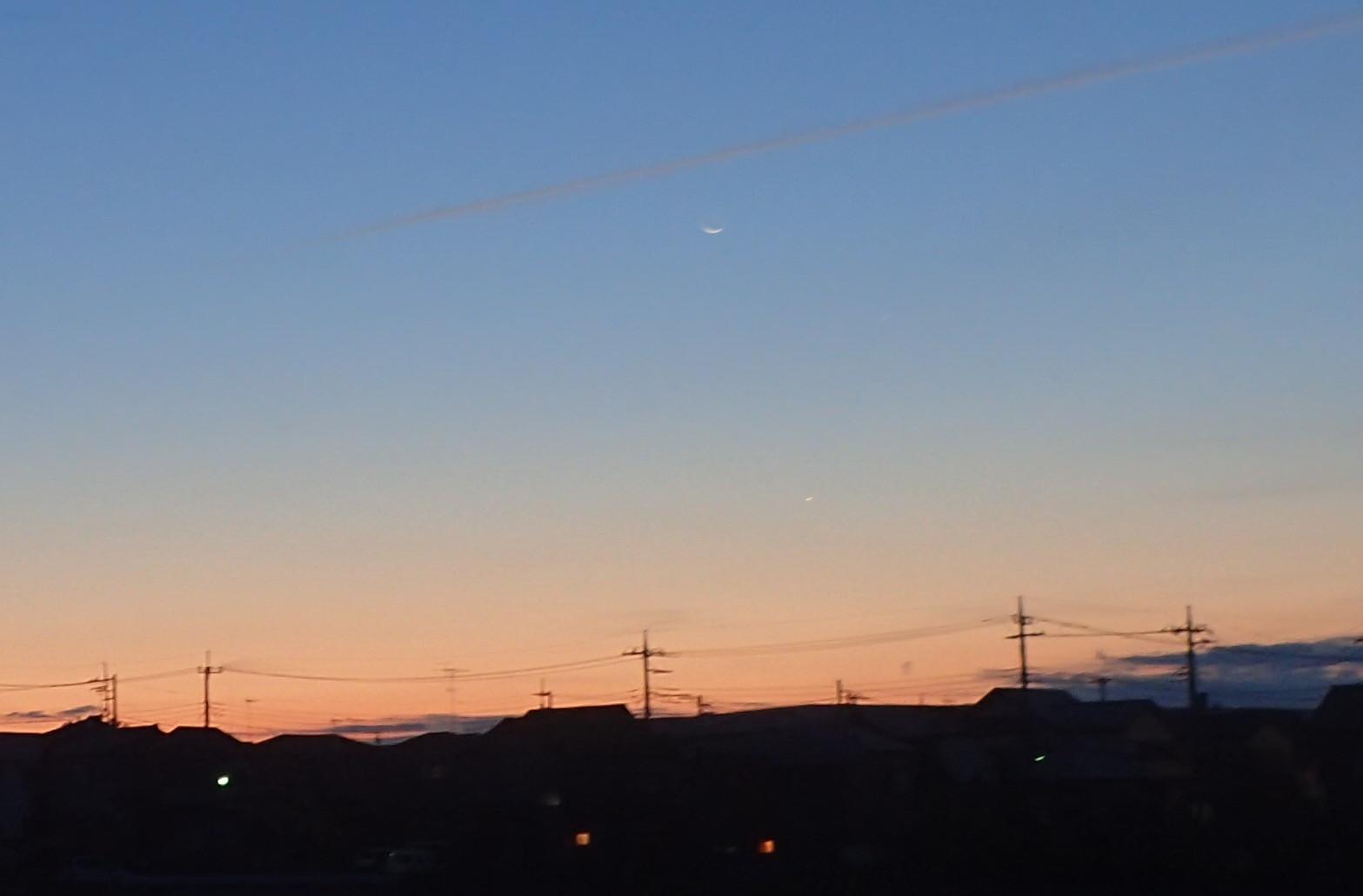 天体ショー                        月木星金星大接近2017/11/17_d0251807_07051845.jpg