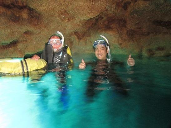 貸し切り状態の青の洞窟シュノーケル!!_a0156273_15261178.jpg