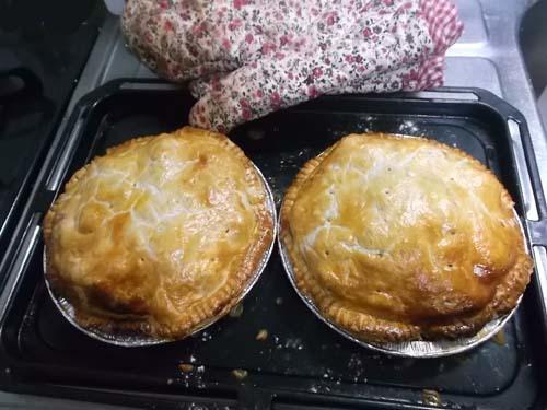紅玉でアップルパイを焼いた_f0019498_19593097.jpg