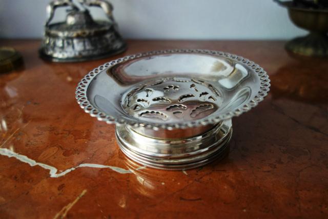 シルバープレートバタープレス皿1、2_f0112550_03134346.jpg