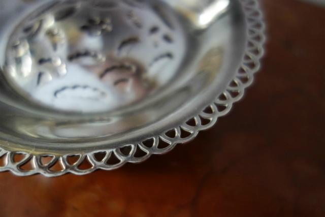 シルバープレートバタープレス皿1、2_f0112550_03134450.jpg