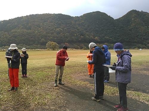 小雨に濡れながら楽しく地図・コンパス勉強会_c0359615_17324993.jpg