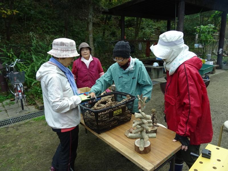 伐採木整理&リース材料採収・・・うみべの森_c0108460_17305759.jpg