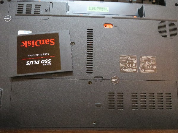パソコンのHDDをSSDに換装_a0095470_22001306.jpg