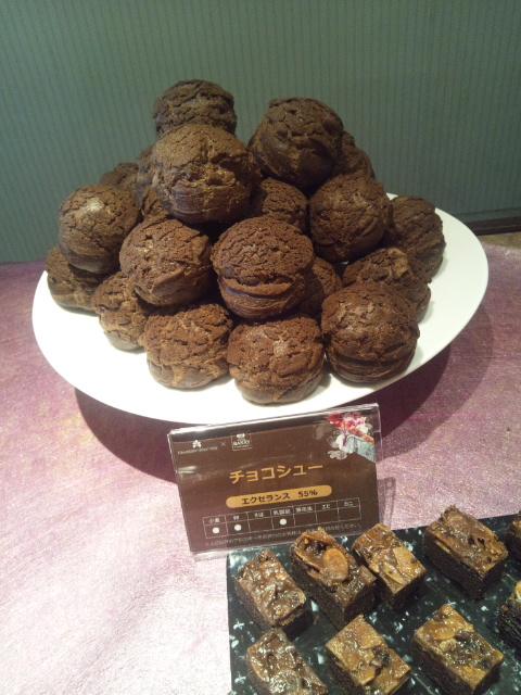 川崎日航ホテル 夜間飛行 チョコレートスイーツブッフェ第三弾_f0076001_2132291.jpg