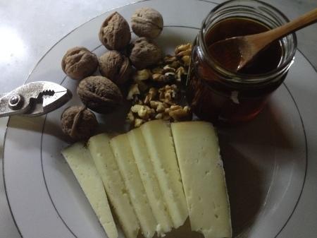 コーヒー付きのチーズに合うもの_a0136671_01575085.jpg