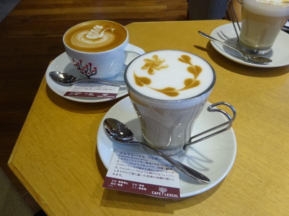 CAFE LEXCELさんでカプチーノ_e0230011_17015382.jpg