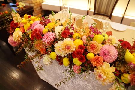 秋の装花 ダリアと紅葉、秋の実の階段装花_a0042928_10283366.jpg