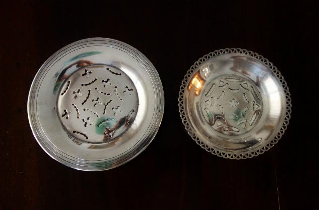 シルバープレートバタープレス皿1、2_f0112550_03142147.jpg