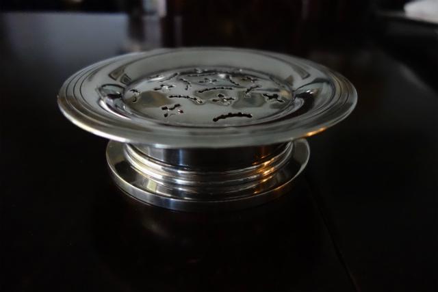 シルバープレートバタープレス皿1、2_f0112550_03142228.jpg