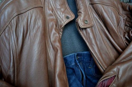 古い革ジャンパーを着て_b0102572_16153160.jpg