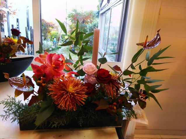 神戸から、Christmas Flower arrangement_a0098174_22120078.jpg