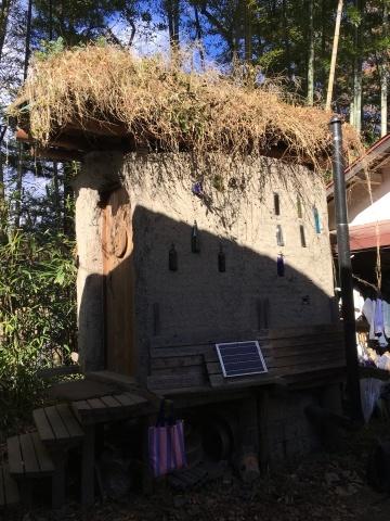 コンポストトイレの草屋根_c0131878_16511952.jpg