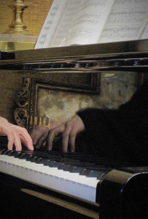 silent music「聖セシアの面影」展へ_c0084183_10233360.jpg