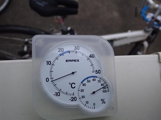 今朝も「今季一番の寒さ」_e0215910_08124089.jpg