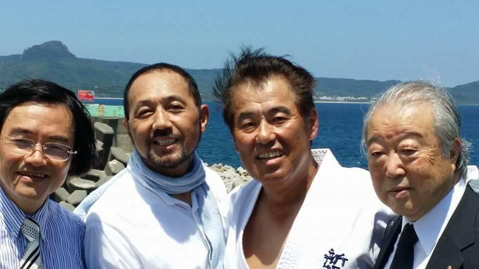ノンフィクション作家門田隆将さんが、高知に講演で帰ってきたので、池田くんと「かるぽーと」の楽屋まで激励に行ってきました。_c0186691_11555258.jpg