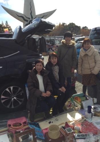 ガレージセール in 万博お祭り広場_a0267202_21180194.jpg