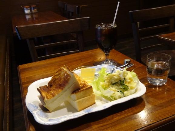 モカさんでトーストセット_e0230011_17114245.jpg