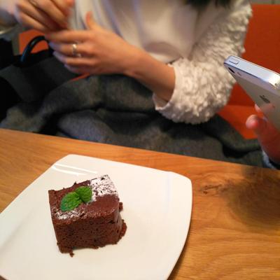 ロビンちゃん&うちの娘たちと渋谷の隠れ家的カフェでランチ_a0275527_21550308.jpg