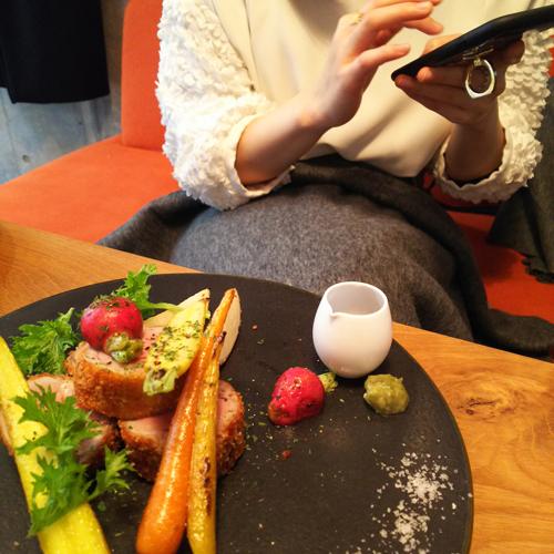 ロビンちゃん&うちの娘たちと渋谷の隠れ家的カフェでランチ_a0275527_21550373.jpg