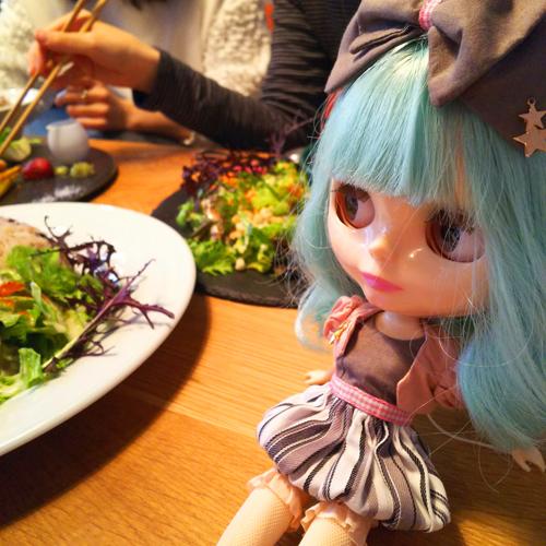 ロビンちゃん&うちの娘たちと渋谷の隠れ家的カフェでランチ_a0275527_21550473.jpg