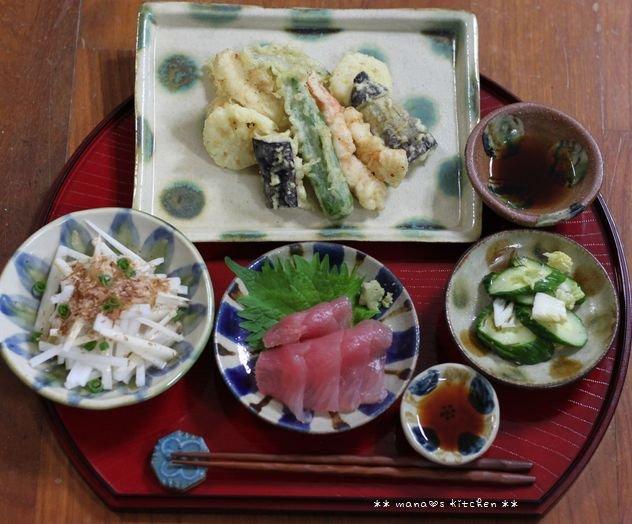 ピリ辛そぼろ丼 ✿ 天ぷら定食(๑¯﹃¯๑)♪_c0139375_1110733.jpg