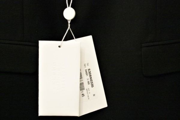 ヨーロッパ買い付け後記23 派手に登場!地味に登場! 入荷マルタンマルジェラ、マルニ、APCメンズアウター、ニット、シャツなど新品・古着_f0180307_01485724.jpg