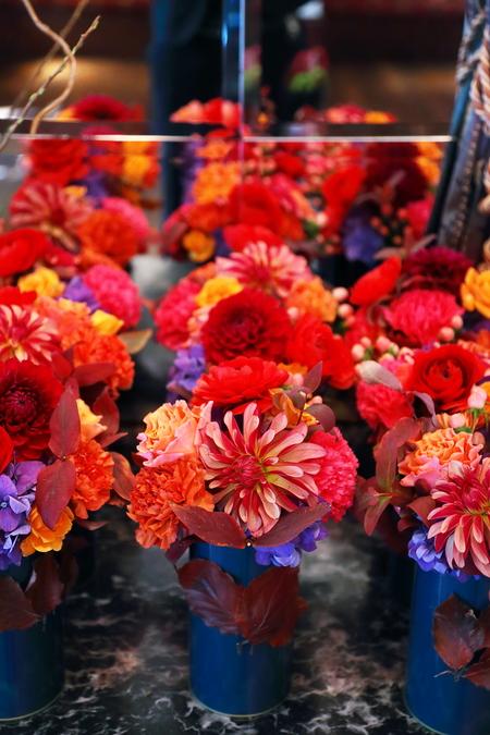 秋の装花 シェ松尾松濤レストラン様へ ダリア、生命の色_a0042928_17421592.jpg