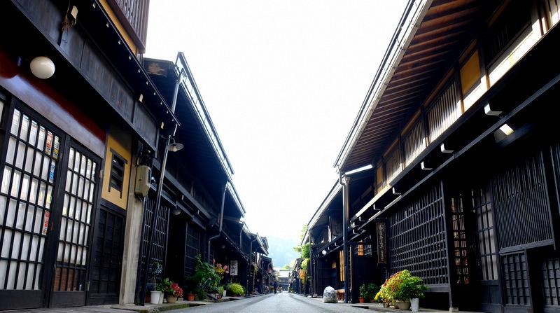 「飛騨高山 宮川朝市 日本一大きな市町村(面積)はおもてなしも日本一」