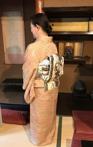 お煎茶の会・お客様の着物姿・伊藤若冲のカニの帯。_f0181251_14593384.jpg