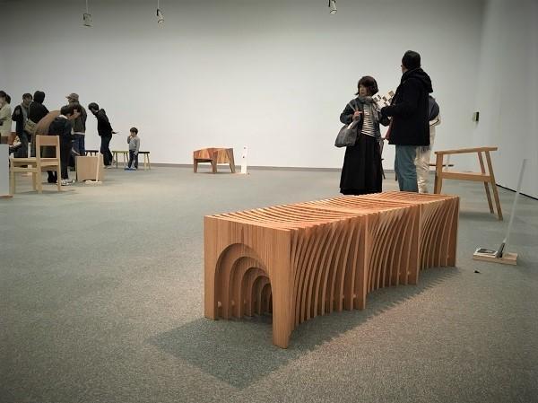 三重の木の椅子展_e0149215_22294480.jpg