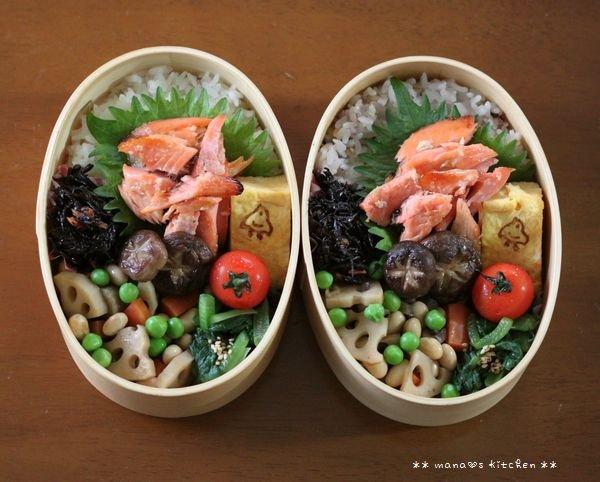ほぐし鮭のっけ弁 ✿ 豚汁定食(๑¯﹃¯๑)♪_c0139375_11334941.jpg