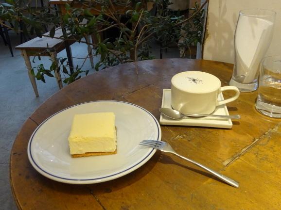 名古屋 2017 Maison YWEさんで絶品チーズケーキ_e0230011_16175738.jpg