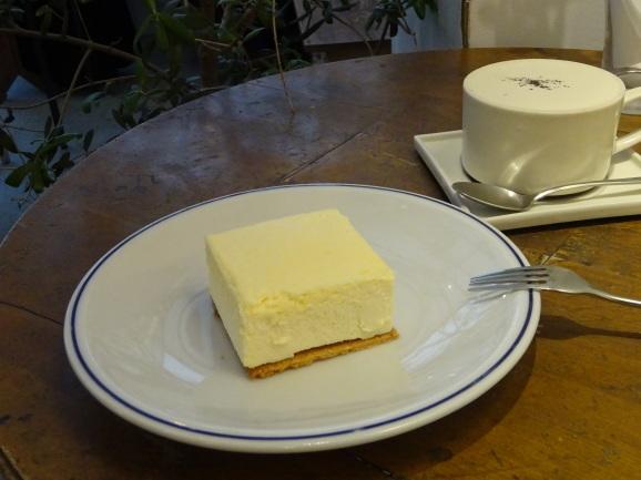 名古屋 2017 Maison YWEさんで絶品チーズケーキ_e0230011_16192156.jpg
