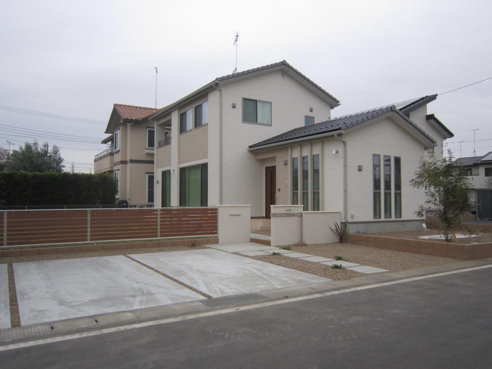 館林市K邸の 外構工事邸 完成しました (^_^)v_e0361918_14485424.jpg