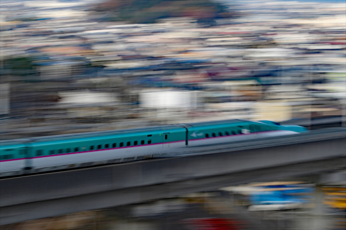 福島駅 新幹線の流し撮り (1)_d0106628_19525609.jpg