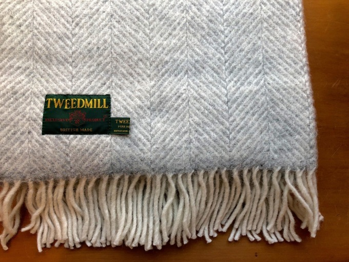 TWEED MILL   KNEE RUG_d0334060_16024481.jpg