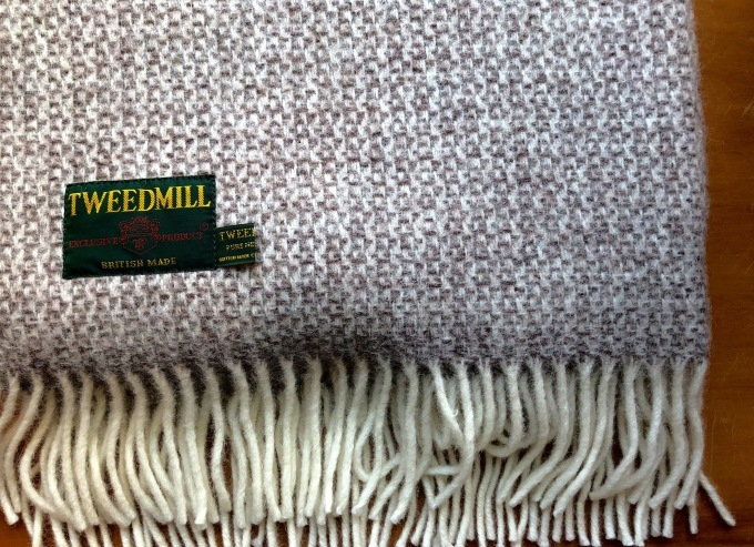 TWEED MILL   KNEE RUG_d0334060_16042087.jpg