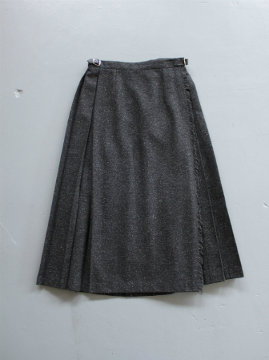 O\'NEIL OF DUBLIN  MIDI EASY KILT SKIRT / HERRINGBONE BLACK (products for us)_b0139281_13243843.jpg