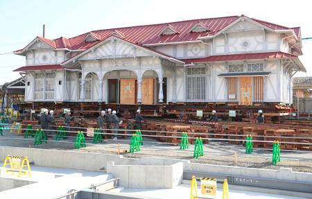 ーー曳家工事が始まった、南海本線・浜寺公園駅の旧駅舎ーー_d0060693_16460532.jpg