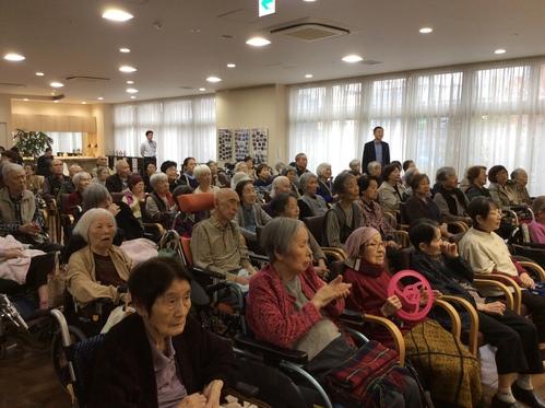 11/29   病院ロビーコンサート_b0076801_17542137.jpg