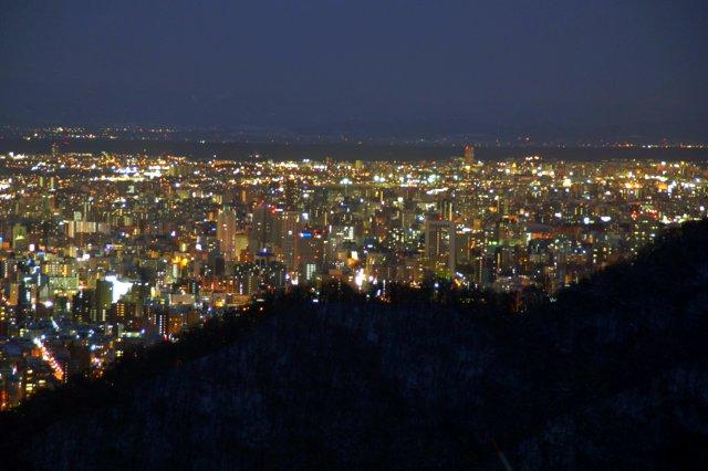 2017年11月27日(月)  冬の夜のきらめき(2)  大倉山_a0345007_1133454.jpg