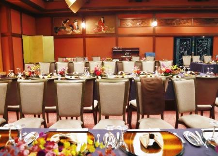 秋の装花 ホテル雅叙園東京 鷲の間様へ 青竹の器に華やかに_a0042928_1327129.jpg