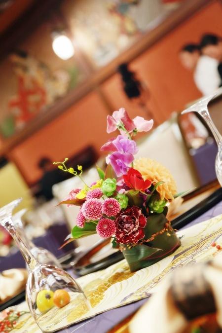 秋の装花 ホテル雅叙園東京 鷲の間様へ 青竹の器に華やかに_a0042928_1328023.jpg