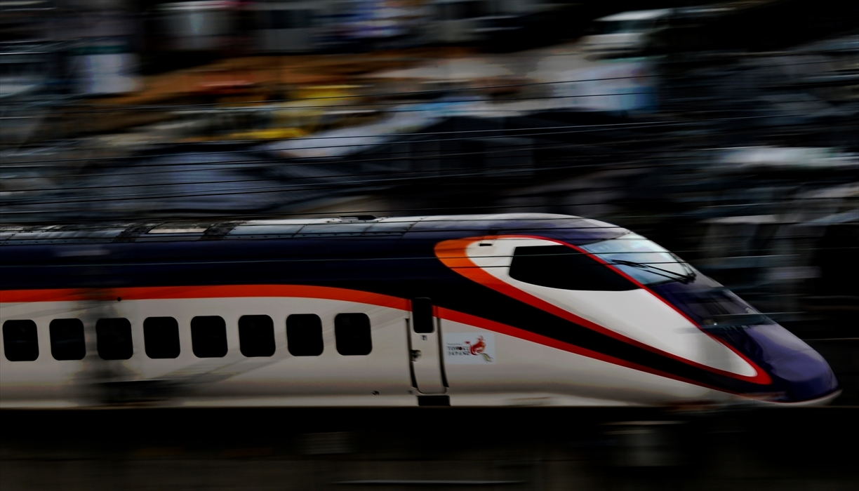 福島駅 新幹線の流し撮り (2)_d0106628_20484221.jpg