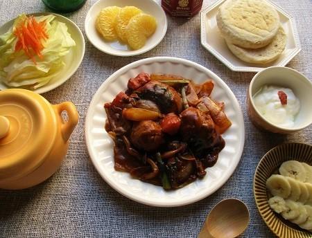 GABANスパイスの『タイム』を使って、豚肉と野菜たっぷりのブラウンソース煮込み♪_a0305576_23321932.jpg